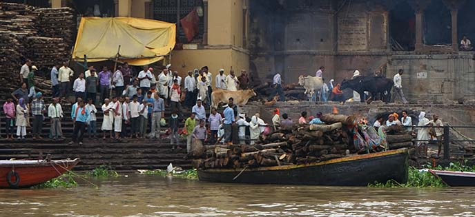ganges cremation grounds