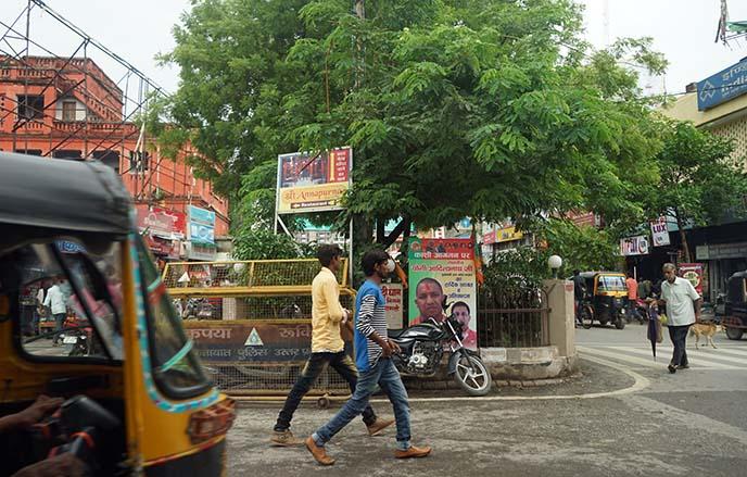 varanasi streets, traffic
