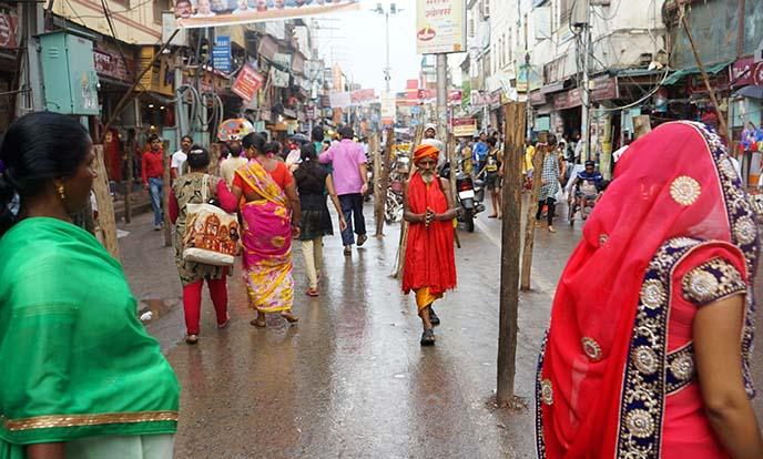 india holy man varanasi