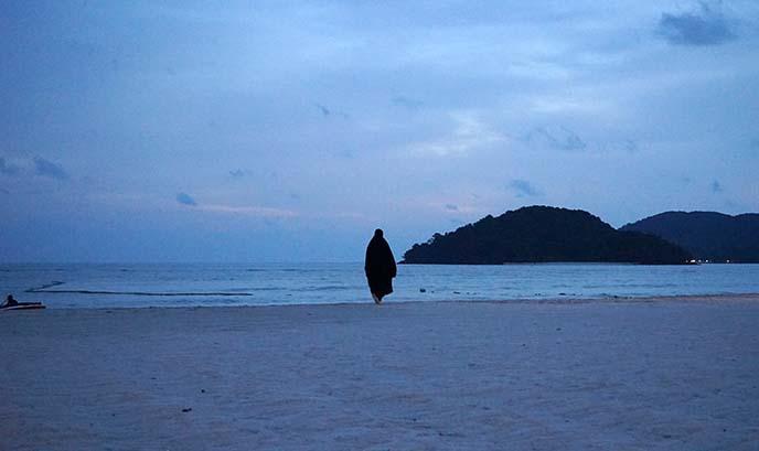 malaysia burka beachwear