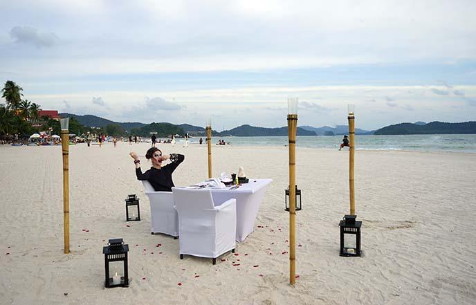 honeymoon dinner beach langkawi