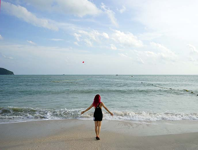 Pantai Cenang beach malaysia