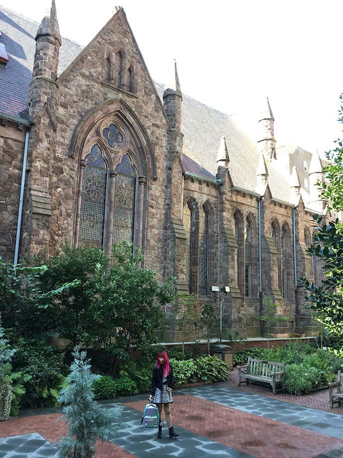 First Unitarian Church of Philadelphia courtyard