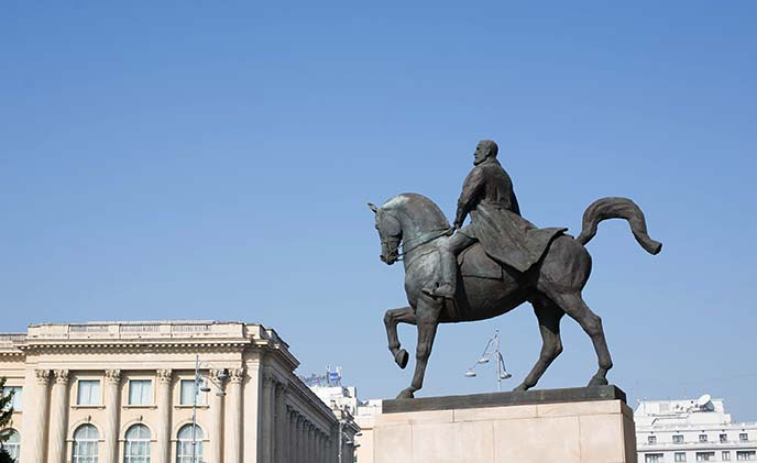 equestrian statue of Carol I bucharest horse