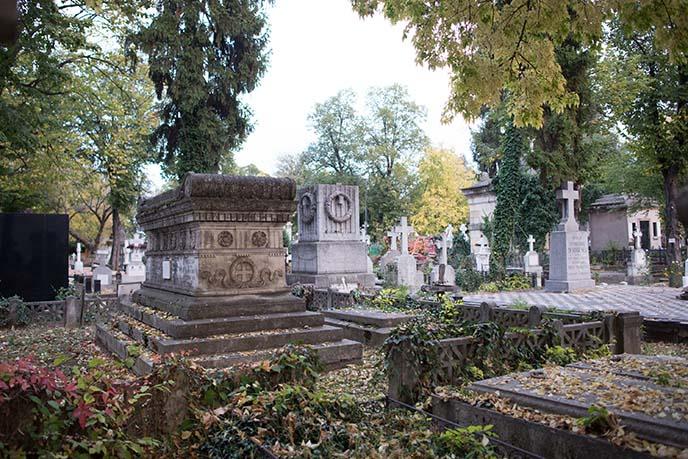 bucharest haunted cemetery tombs