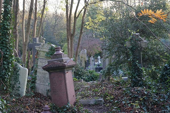 highgate cemetery west east