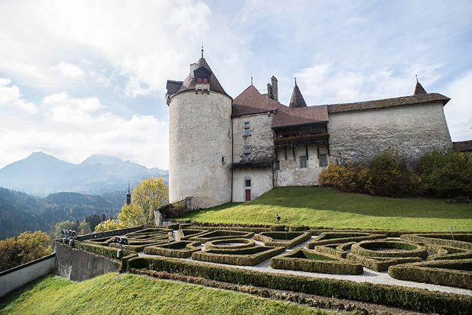 labyrinth maze gruyeres castle