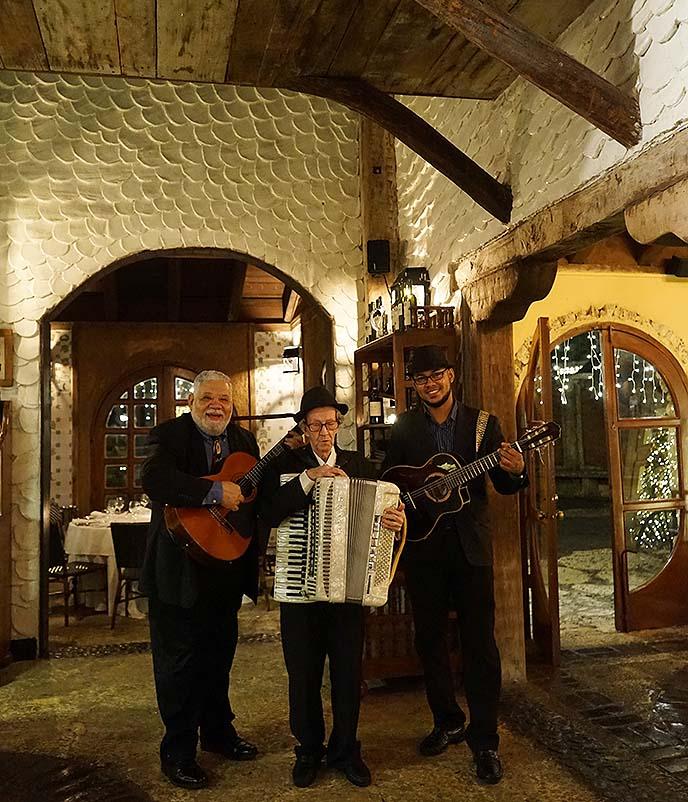italian restaurant musicians