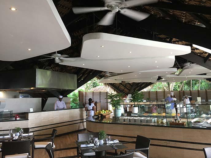 lago restaurant casa campo buffet
