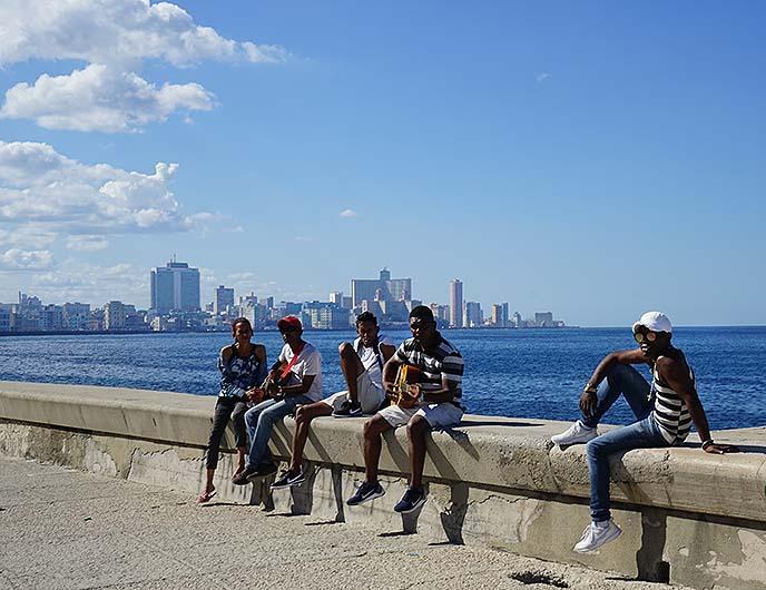 cuba malecon musicians, seawall