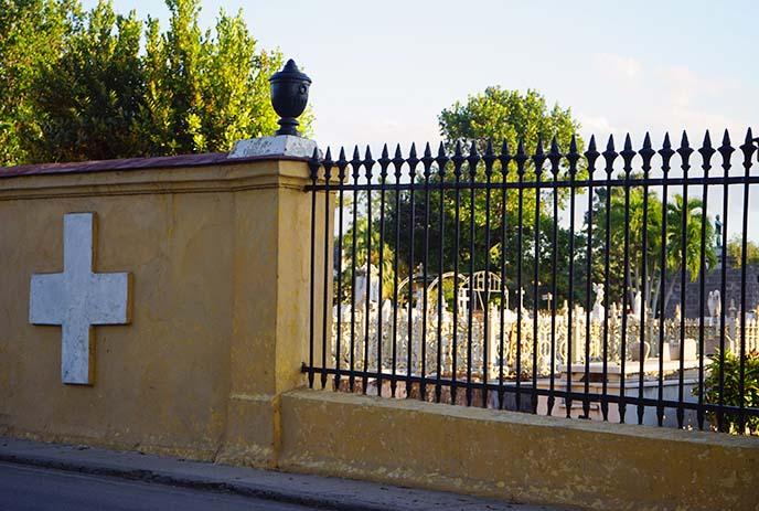 colon cemetery havana cuba graveyard