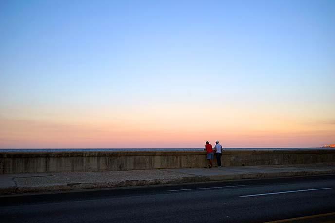 malecon cuba sunset