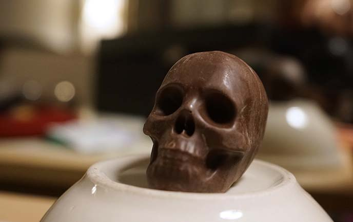 skull absinthe chocolate