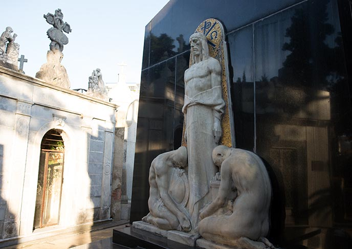 recoleta egyptian tomb mausoleum