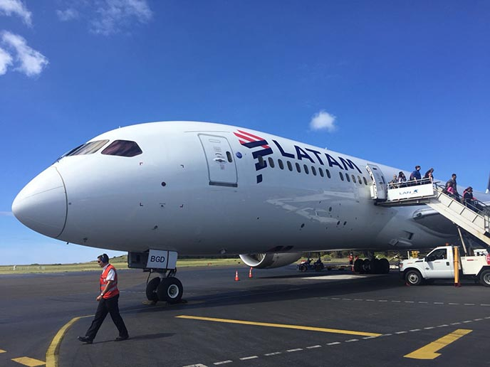 latam airlines easter island plane
