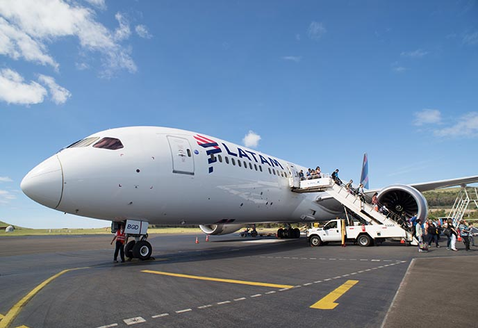 easter island latam airlines plane