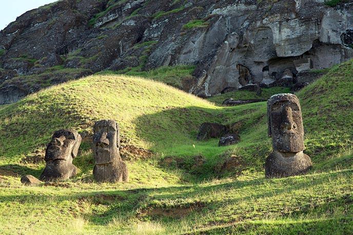 hanga roa moai tour