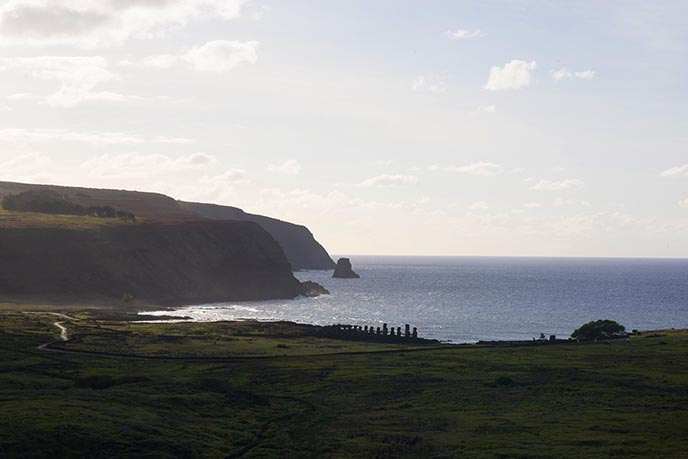 explorers discover easter island