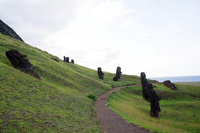 rano raraku moai statue quarry