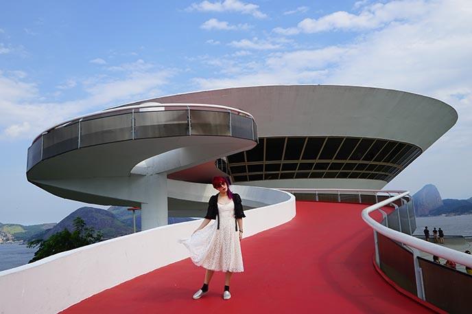 niemeyer niteroi architecture flying saucer