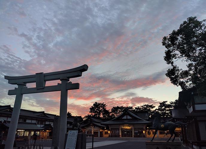 hiroshima sunset torii gate