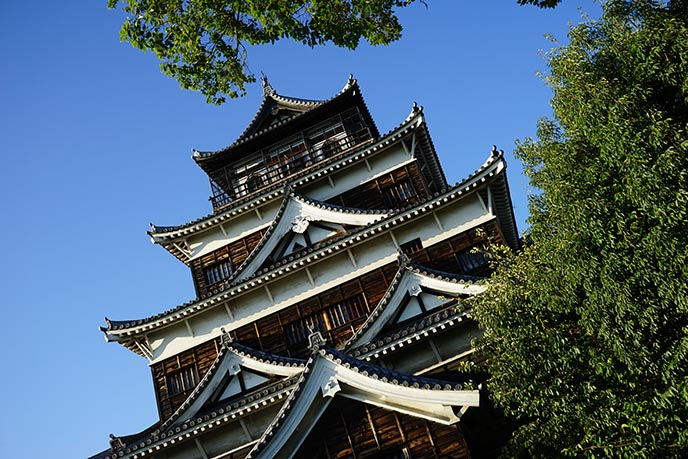reconstructed hiroshima castle