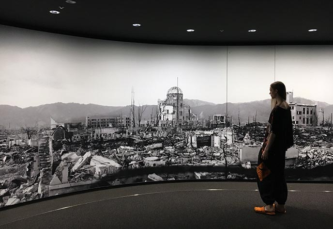 hiroshima destruction nuclear bomb memorial