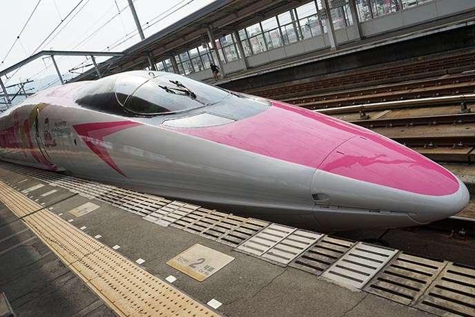 pink hello kitty bullet train japan