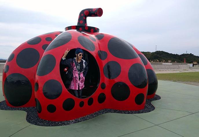red pumpkin yayoi kusama naoshima isle