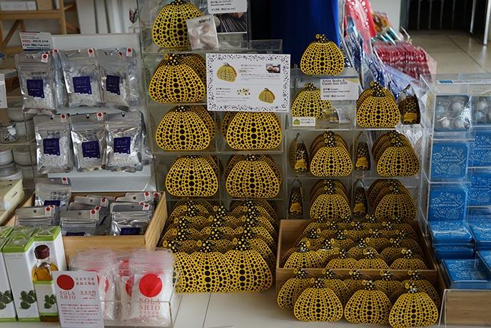 kusama pumpkins naoshima island japan chichu