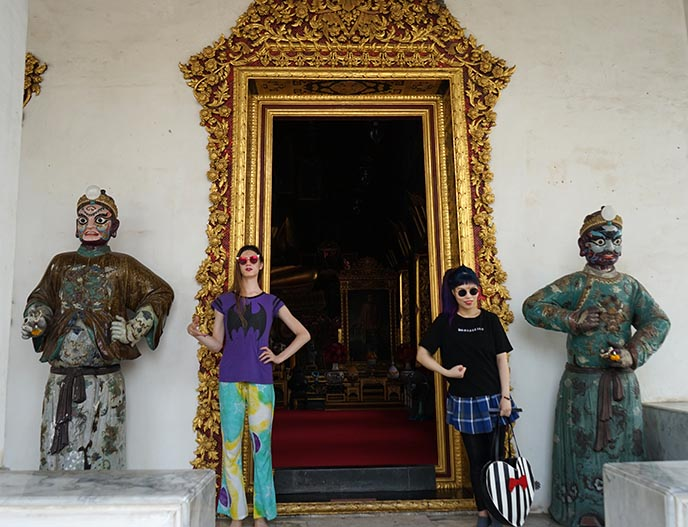 thai protector statues door