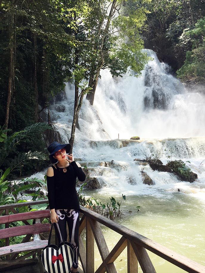 travel blogger kuang si falls