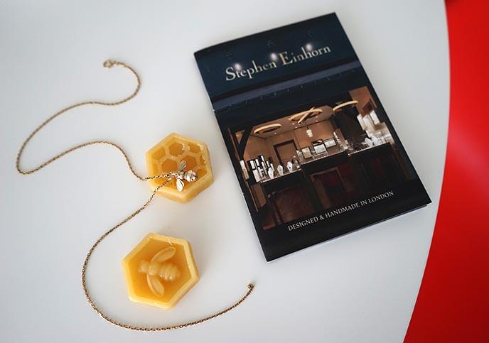 gold bee necklace stephen einhorn