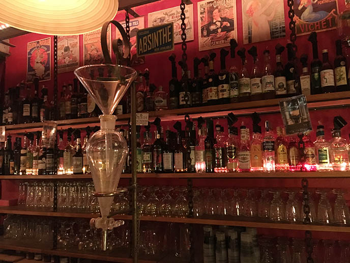 anthony bourdain paris absinthe bar cantadaii