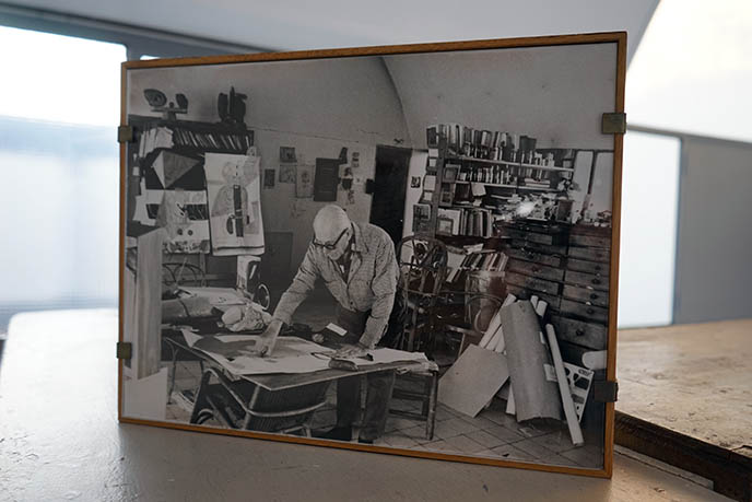 le corbusier architect portrait working