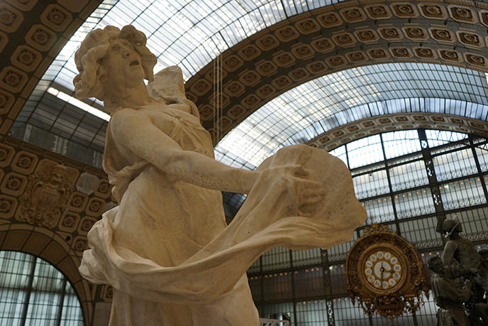 musee d'orsay dramatic statues