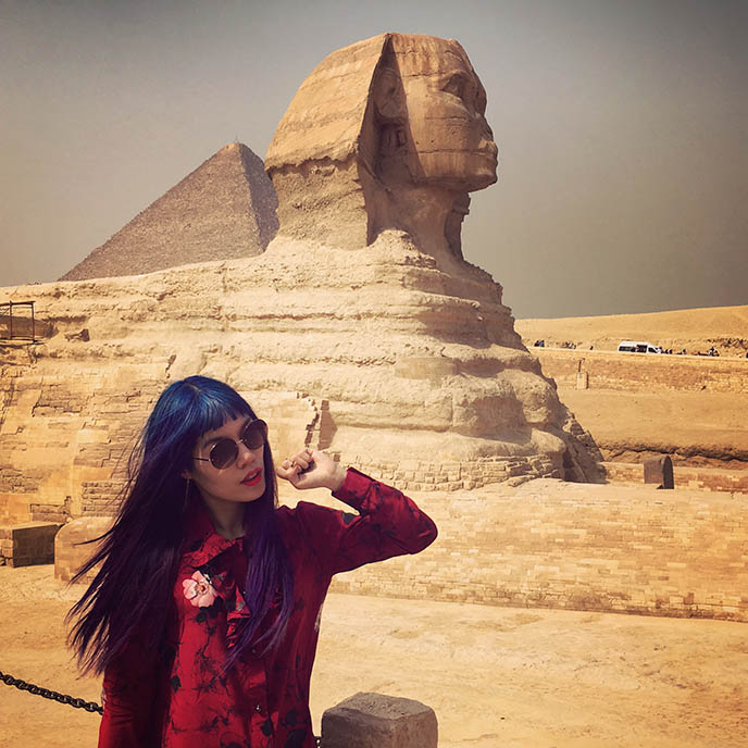 travel blogger girl sphinx egypt cairo