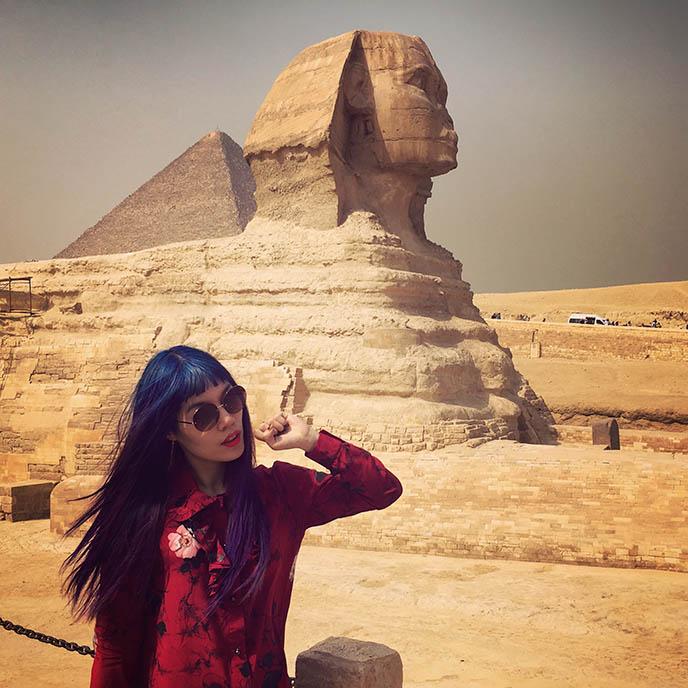 travel blogger girl sphinx egypt cairo