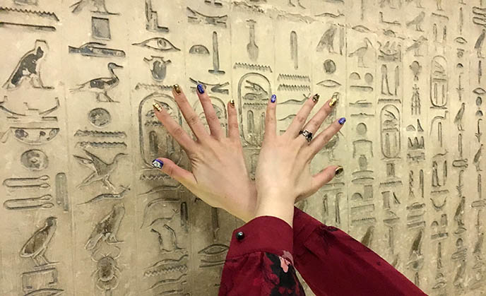 egypt murals hieroglyphic writing
