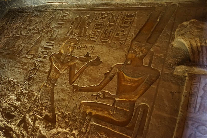 bas relief wall carvings abu simbel