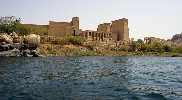 boat to philae temple egypt