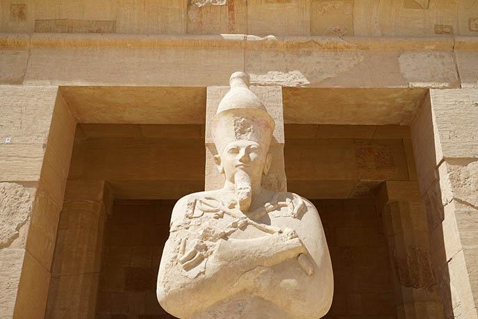 queen hatshepsut temple columns statues