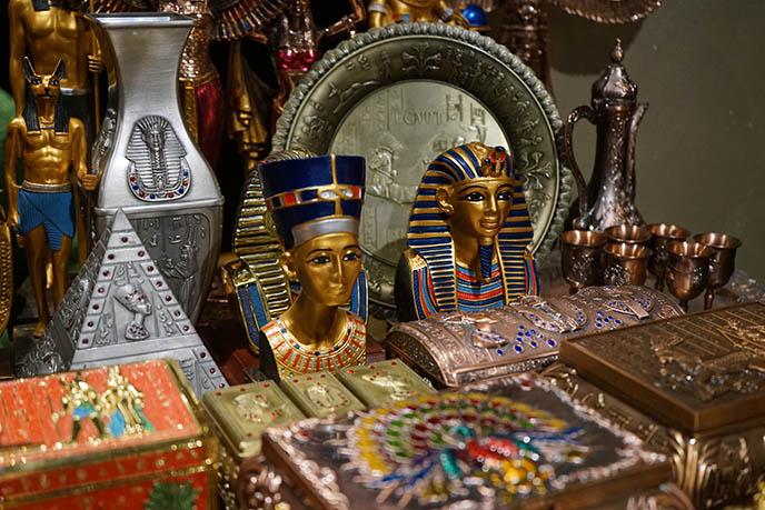 cairo market souvenirs gift shops