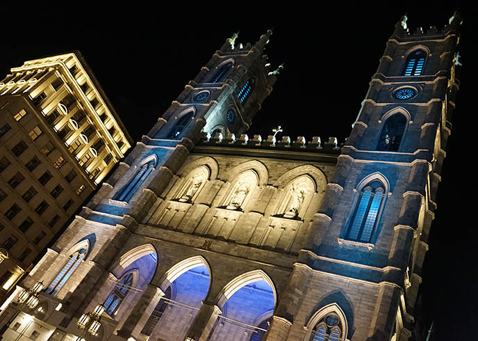 montreal notre dame church light show