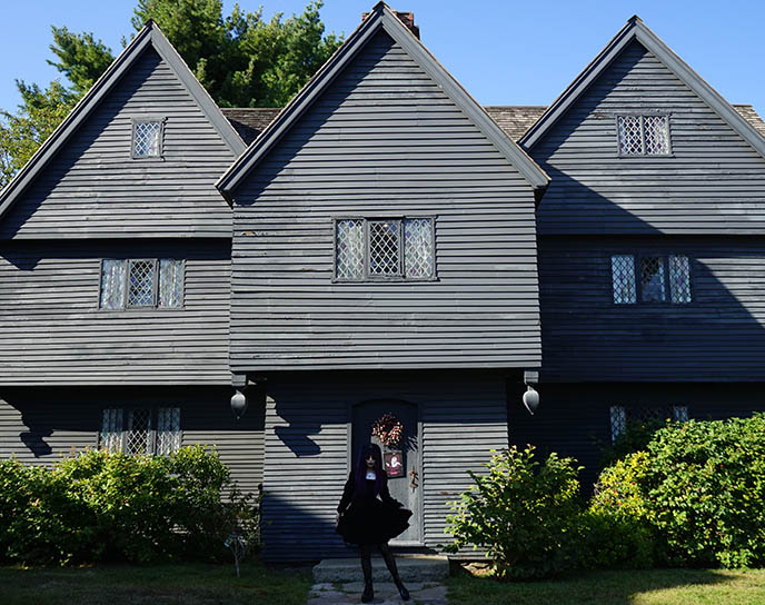 salem witch house, black haunted Jonathan Corwin building