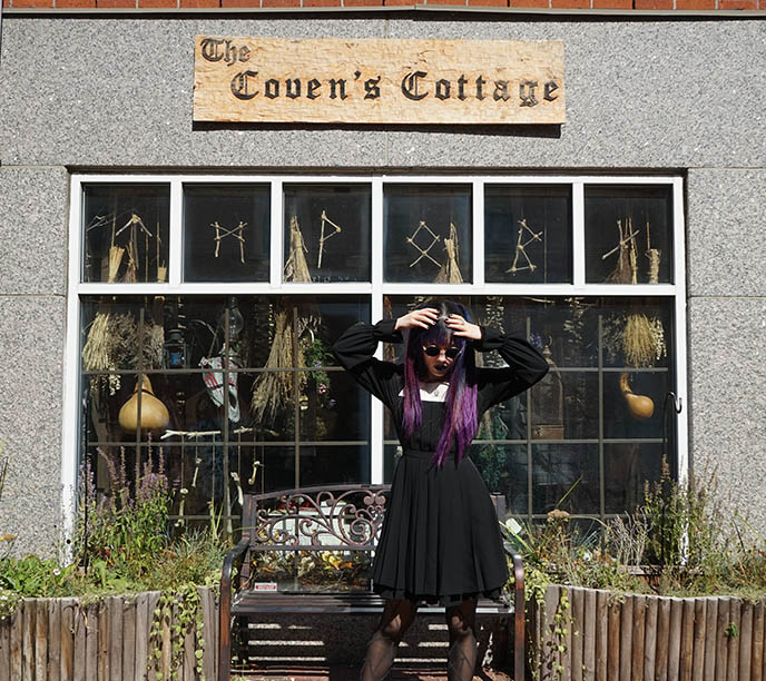 the coven's cottage salem shopping street