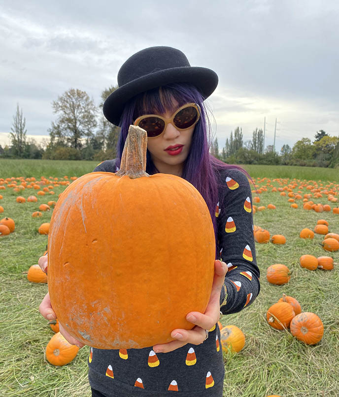 vancouver bc pumpkin picking fashion blogger