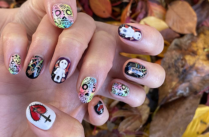 sugar skulls nail art, gel nails halloween day dead