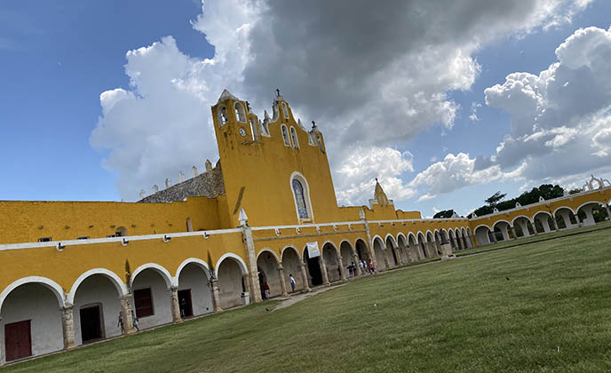 izamal yellow town mexico architecture yucatan
