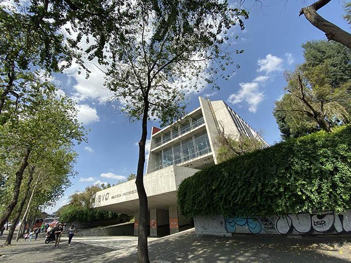 exterior Biblioteca Vasconcelos building library